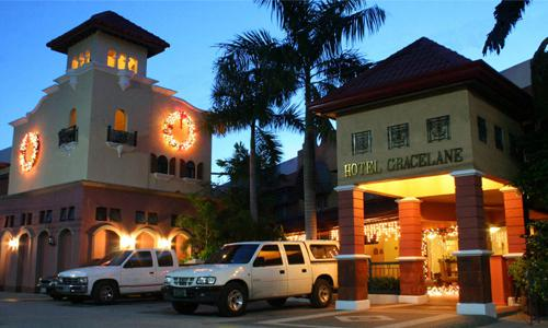 famous luxury and budget hotels in the Philippines